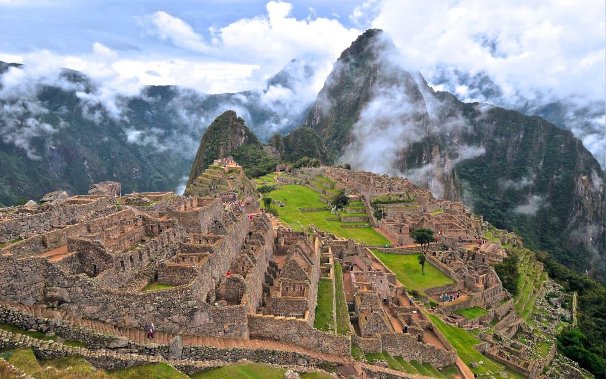 Machu-Picchu-y-Ollantaytambo-Tour-2-Dias